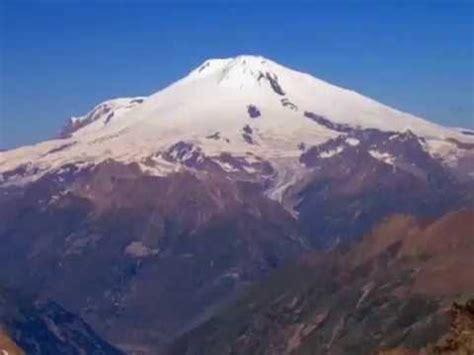 gunung jayawijaya puncak jayawijaya bersalju youtube