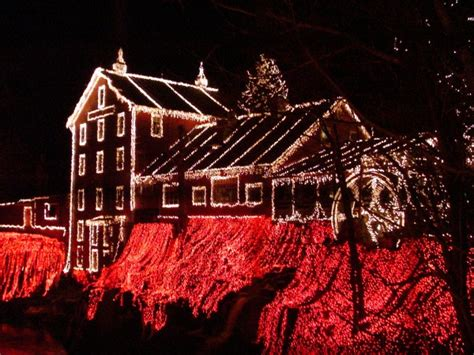how to put christmas lights on shingle roof how to hang lights on roof shingles