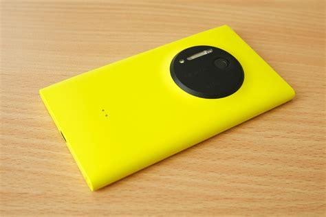 nokia lumia 1020 file nokia lumia 1020 jpg wikimedia commons