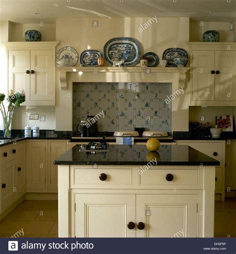 country kitchen island unit kitchen designs granite worktop on island unit in country kitchen with