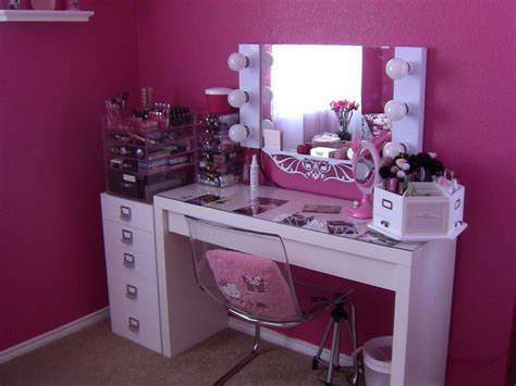 Lighted Vanity Table With Mirror And Bench Create A Vanity Table With Lighted Mirror Doherty House