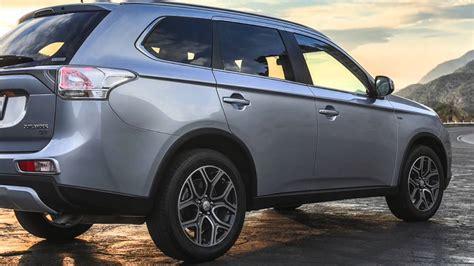 Mitsubishi Outlander Vs Jeep Grand 2015 Mitsubishi Outlander Vs Jeep Compass