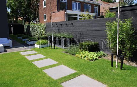 strakke tuin plantenbakken tuinmuur in steigerhout beste inspiratie voor huis ontwerp