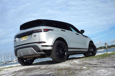 evoqative design  range rover evoque   smooth