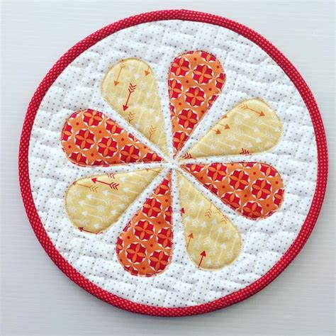 Fast Quilting Projects Pot Holders Mug Rugs Pincushions - 425 best patchwork mug rugs coasters pot holders