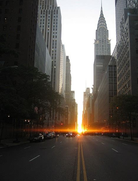 manhattan solstice  yorks stunning light show