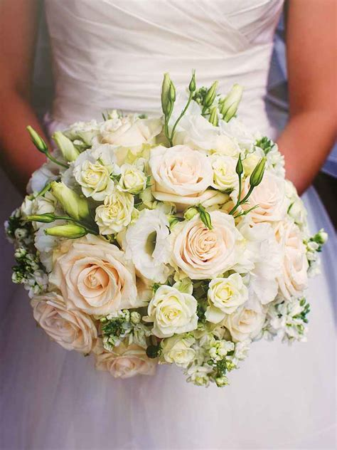 20 white wedding bouquet ideas