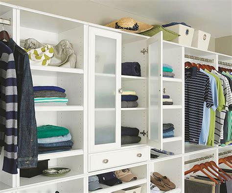 Walk In Closet In Small Bedroom by Small Walk In Closet Design Ideas