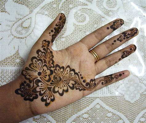 pakistan cricket player simple arabic henna design pakistan cricket player easy arabic henna designs