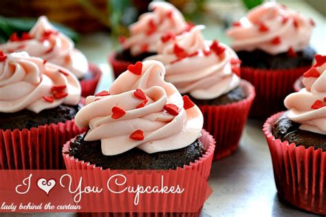 wallpaper cupcake coklat strawberry cream cheese frosting