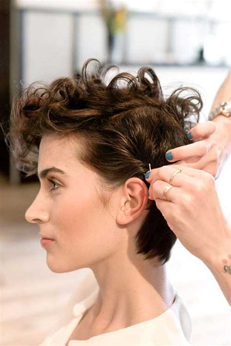 styles when growing out short curly hair 20 good pixie haircuts for curly hair short hairstyles