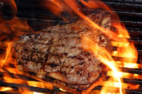 a few unique ways to grill steak hardymag com