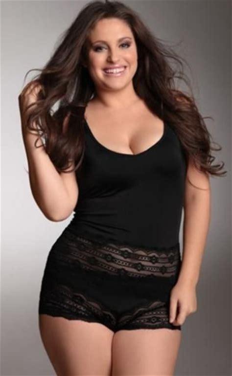 curvy brunette black camisole shorts my style pinterest