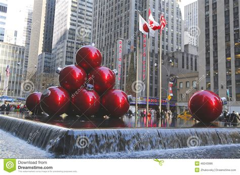 decorations in new york 28 images nyc s new york city landmark radio city in rockefeller center decorated with