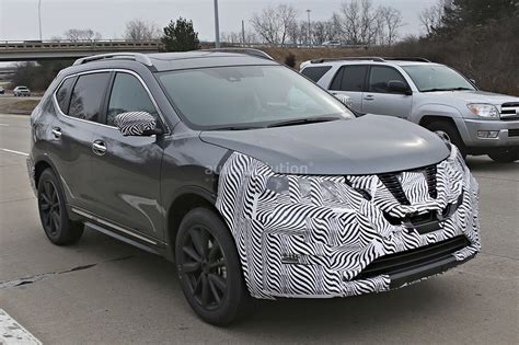 2017 nissan rogue black 2017 nissan rogue spied with cosmetic updates autoevolution