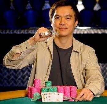 pemain poker indonesia terhebat sewa mobil solo