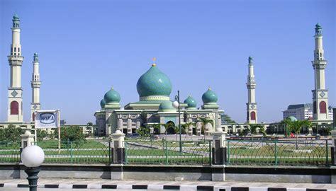 4 Di Indonesia 4 mesjid termegah di indonesia wisatapriangan