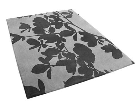 urba rugs botanical rug featuring large outlined leaves odile urba rugs