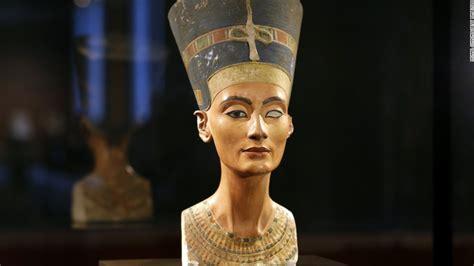 queen nefertiti greatest mystery of ancient egypt have egyptologists found nefertiti s long lost tomb cnn com