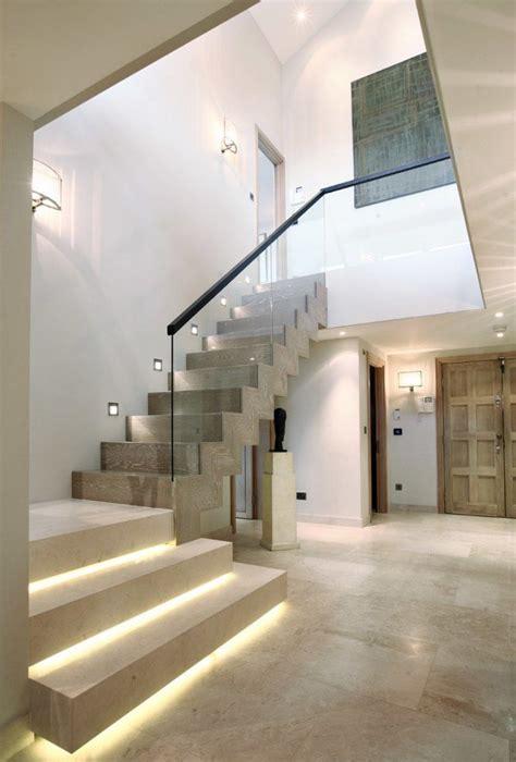 Eclairage Spot Led Plafond by 201 Clairage Escalier Led 30 Id 233 Es Modernes Et Originales