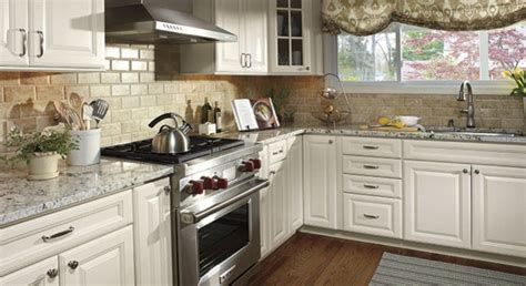 what color backsplash with white cabinets country white cabinets white cabinets wall