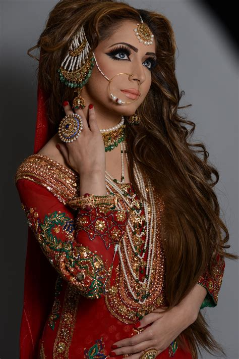 hairstyles indian dress naeem khan stunning bride head accessories tikka s