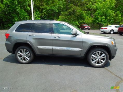gray jeep grand cherokee 2012 mineral gray metallic jeep grand cherokee laredo x