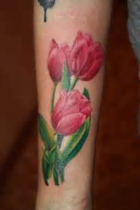 50 tulip tattoo design ideas nenuno creative