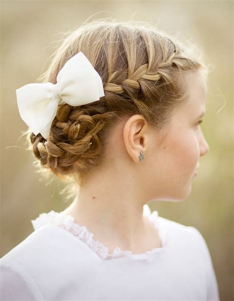 como colocar la cinta en los peinados de nia 45 ideas de peinados para su primera comuni 243 n crecer feliz