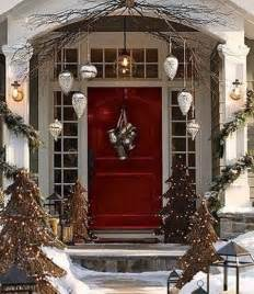 Banister Planters Best 25 Christmas Front Doors Ideas On Pinterest
