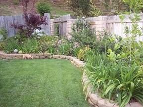 Plant Ideas For Backyard Bordure Per Aiuole Giardinaggio Come Realizzare Le Bordure Per Aiuole