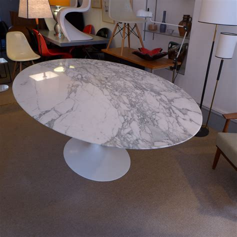 Eero Saarinen Marble Top Dining Table For Sale Oval Marble Dining Table By Eero Saarinen For Knoll 1950s