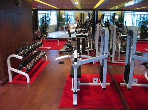 fitness 19 room club lounge buffet area picture of crowne plaza shanghai fudan shanghai tripadvisor