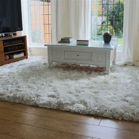 large white rugs 17 best ideas about shaggy rug on shag pile rugs fluffy rug and bedroom area rugs