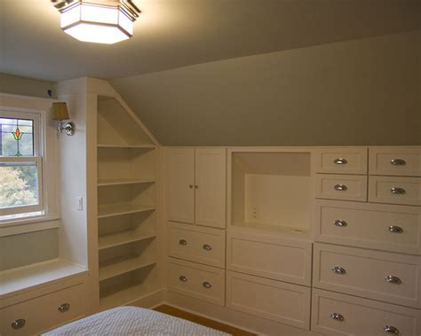 closet ideas for attic bedrooms best 25 attic closet ideas on pinterest slanted ceiling