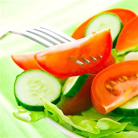 serre soup salade de rubans de concombres et de tomates metro