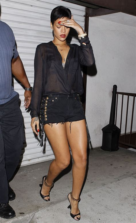 tattoo parlors in ri rihanna leaves in hawtcelebs