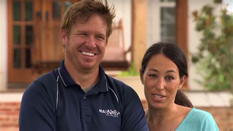 ex business partner sues property tycoons nick and fixer upper star chip gaines sued for fraud