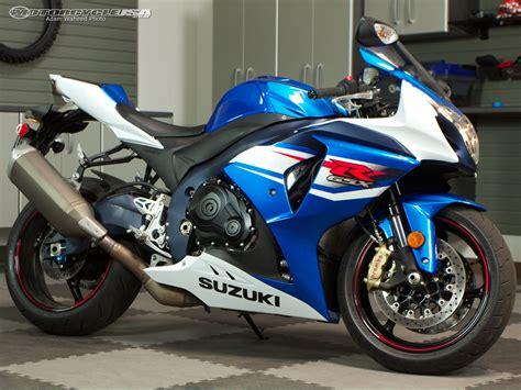Superbike Suzuki Gsxr 1000 2012 Suzuki Gsx R1000 Superbike Smackdown Photos