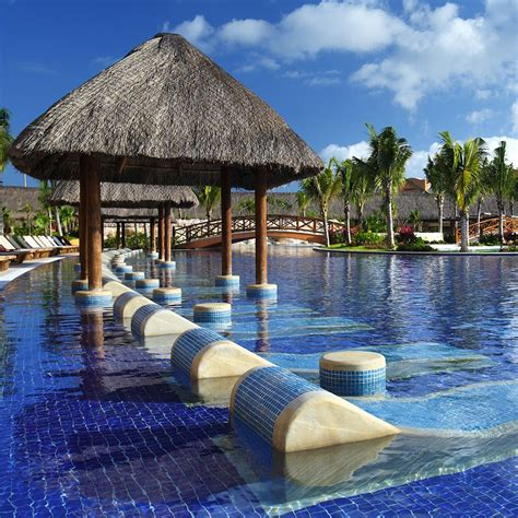 save big    inclusive vacation  barcelo hotels