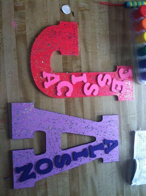 childrens bedroom door name plates diy name plates great for bedroom doors craft ideas