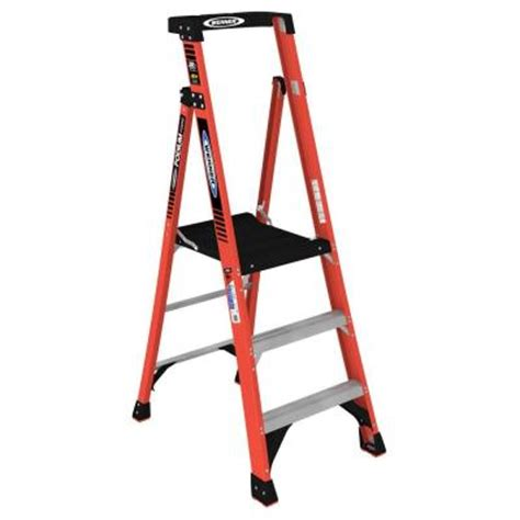 werner 9 ft reach fiberglass podium ladder with 300 lb