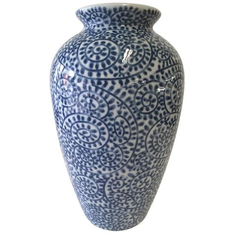 blue pattern vase japanese blue and white porcelain hand decorated vase