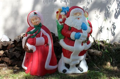 vintage blow mold lighted mr mrs claus santa yard