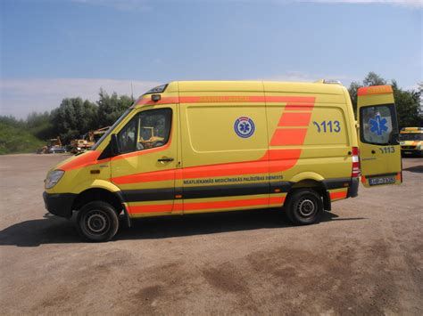 mercedes sprinter 316 ambulance 4x4 with stretchers