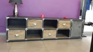 meuble bas de style industriel acier et bois meubles et
