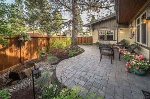 Hardscaping Ideas For Small Backyards Patio Landscaping For Small Backyard Back Yards Wood Decks Decks And Backyards