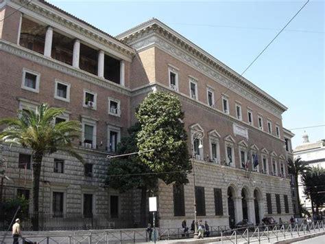 giustizia uffici giudiziari il governo accolla le spese degli uffici giudiziari al