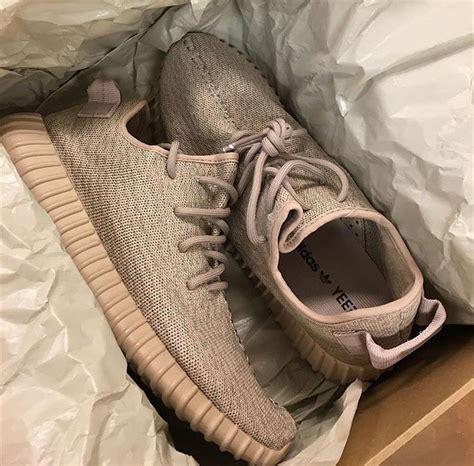 Sepatu Adidas Yezzy 55 25 best ideas about yeezy oxford on yeezy