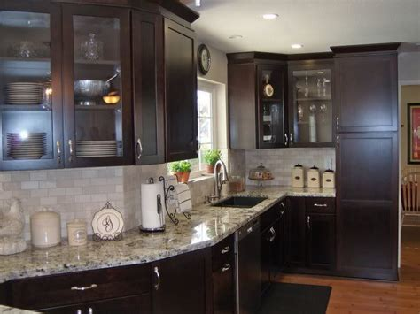 white marble backsplash with dark cabinets 25 best images about alaska white on white